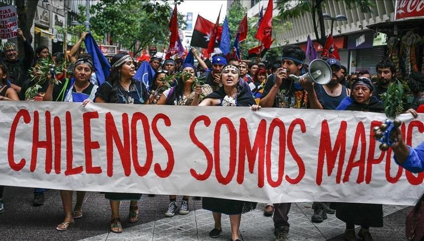 Miles de personas marchan en Chile en defensa de pueblo mapuche | Al  Mayadeen Español