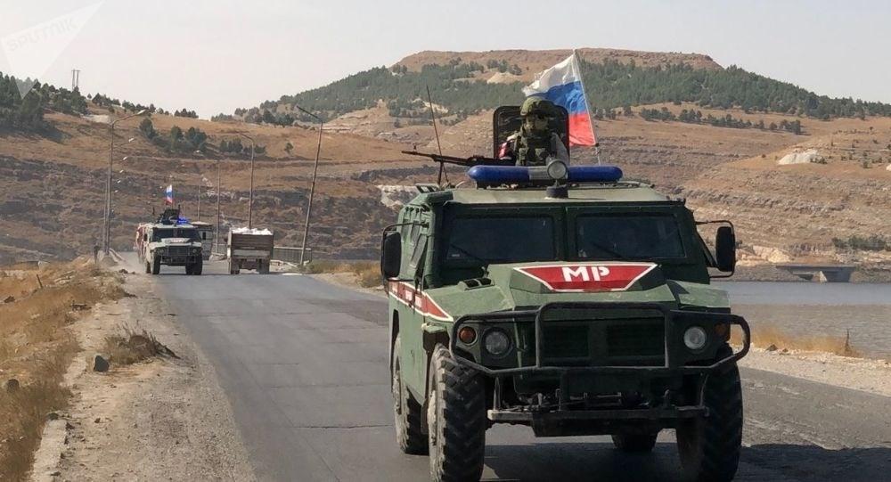 Rusia y Turquía realizan decimocuarto patrullaje conjunto en frontera sirio-turca