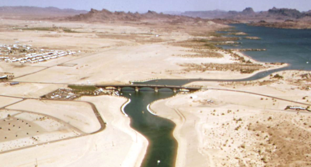 Esto que se ve en la foto es el Puente de Londres en Arizona