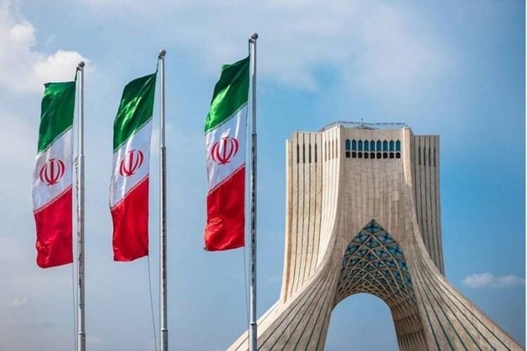 Teherán tacha de infundados comentarios de canciller saudita sobre peligro de programa nuclear iraní.