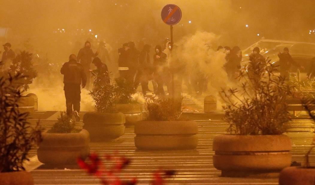 Enfrentamientos con la Policía en Nápoles.