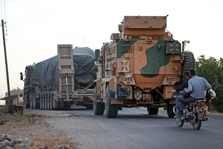 Fuerzas pro-turcas bombardean zonas controladas por las FDS al oeste de Alepo.