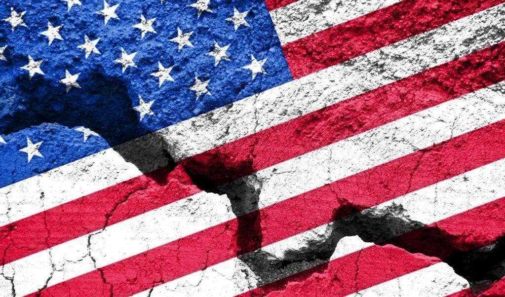 Las fuerzas políticas prevalecientes hoy en Estados Unidos plantean en su discurso dos visiones diferentes de los desafíos sociales de ese país y de su relación con el mundo.