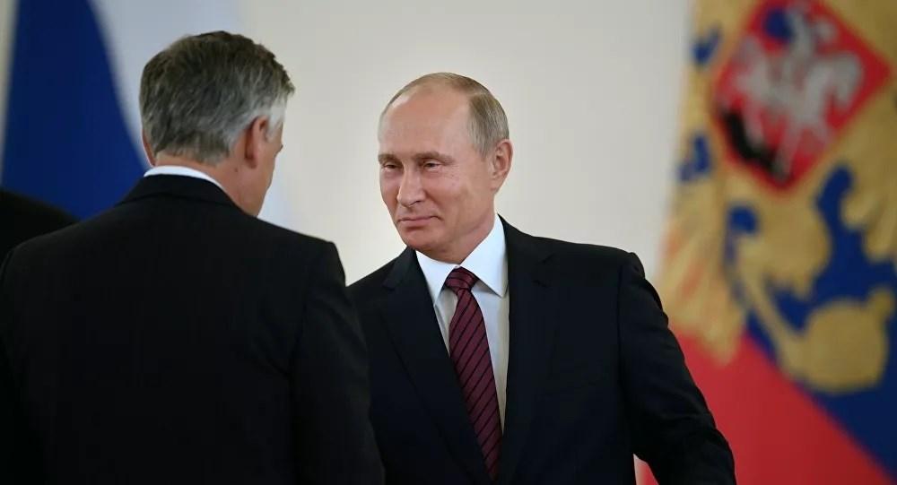 Putin durante la entrega de cartas credenciales de casi una veintena de diplomáticos foráneos.