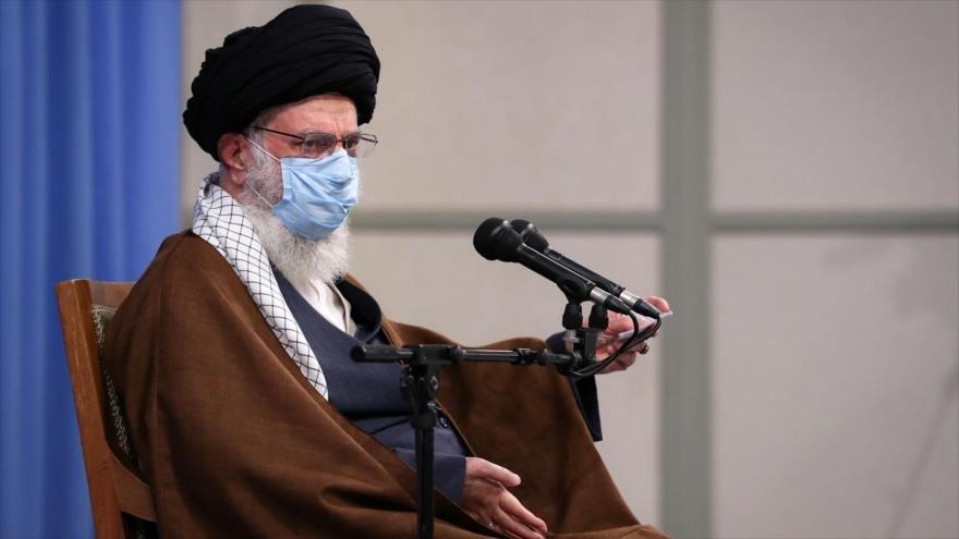 El líder iraní, ayatollah Sayyed Alí Khamenei.
