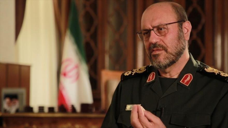 El general de brigada Hosein Dehqan, asesor militar del Líder de la Revolución Islámica de Irán.