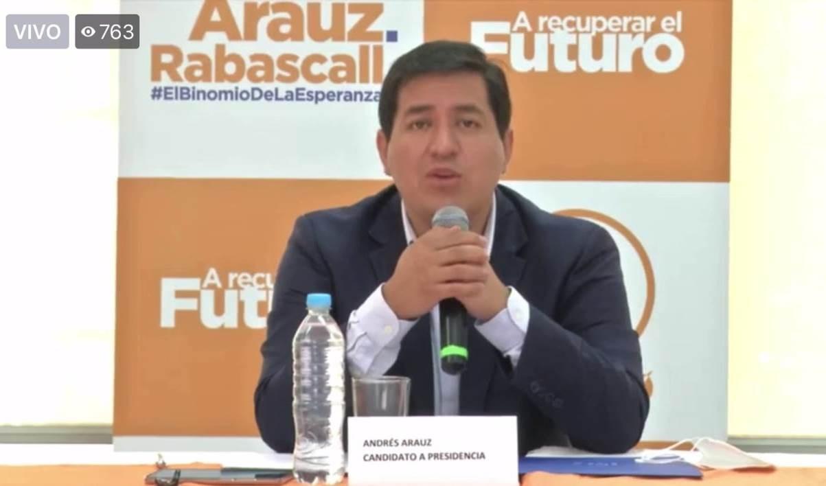 Candidato presidencial denuncia intentos de mandatario de Ecuador por aplazar elecciones