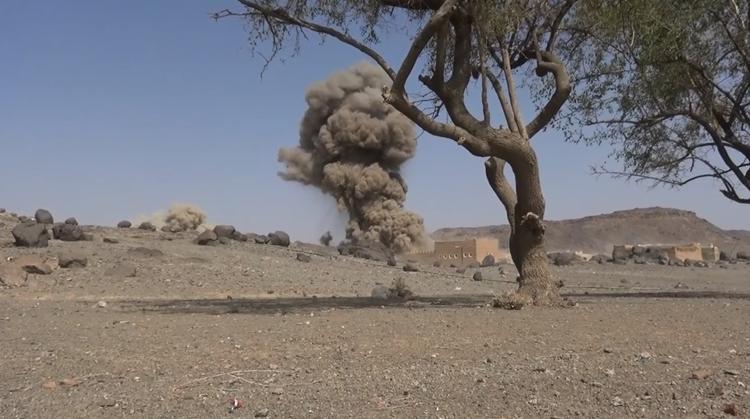 Fuerte explosión en el campamento de las fuerzas sauditas en Marib.