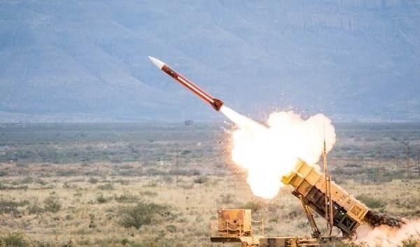 """El lanzamiento del misil yemení tipo """"Al Quds 2"""" hacia Jeddah"""