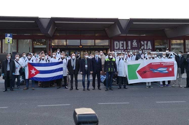 Médicos cubanos en Italia para apoyar ante Covid-19