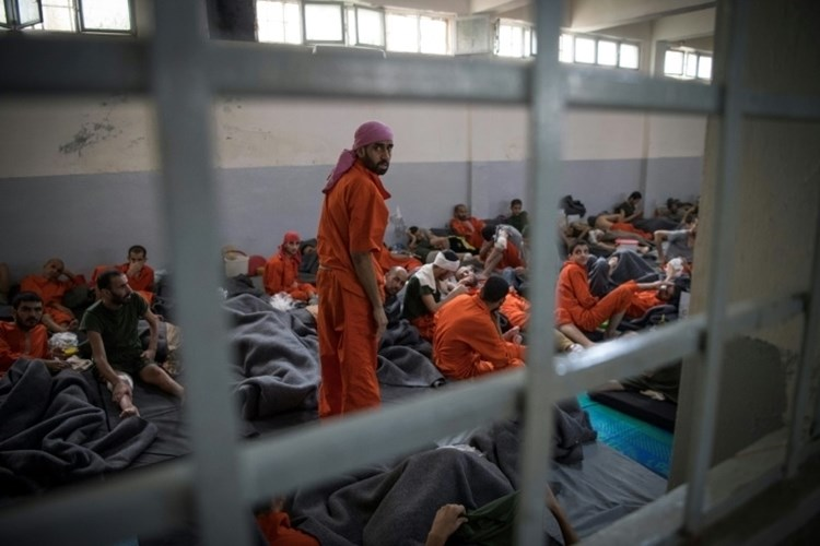 Prisioneros de Daesh se rebelan en la ciudad siria de Hasakeh