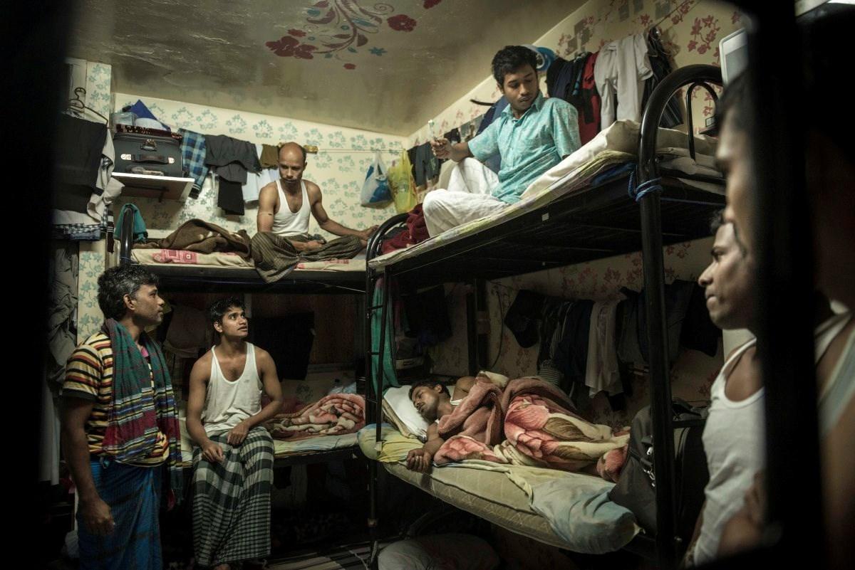 En crítica situación trabajadores emigrantes en Emiratos Árabes Unidos | Al Mayadeen Español