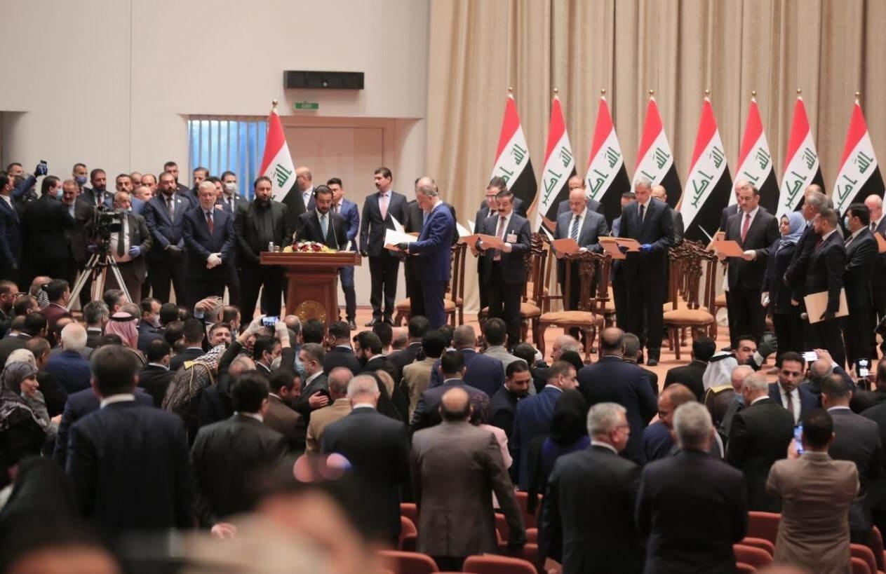 Parlamento iraquí da voto de confianza al gobierno de Mustafá al-Kazemi