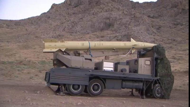 Irán lanza con éxito nueva generación de misiles de crucero