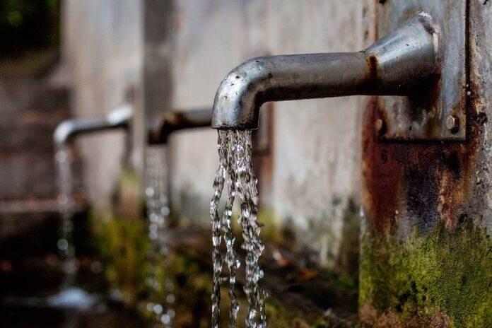 El agua, un recurso escaso para millones de personas (Foto: Ambientum)