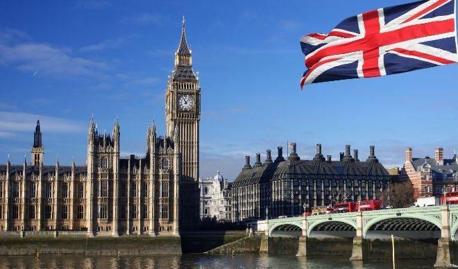 Reino Unido entra en recesión tras caída récord del PIB.