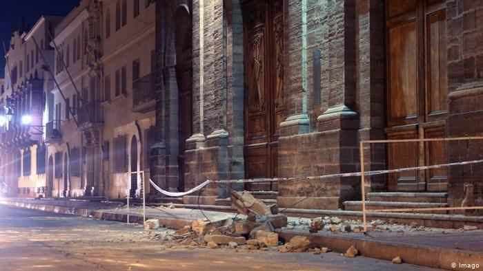 Daños en un edificio tras un terremoto en Coquimbo. Chile es un país donde los movimientos telúricos son fuertes y recurrentes. Aquí una foto de archivo de enero de 2019. (Foto: DW)