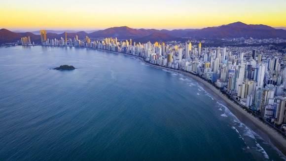 Así se ve el atardecer en Praia Central. Foto: BBC