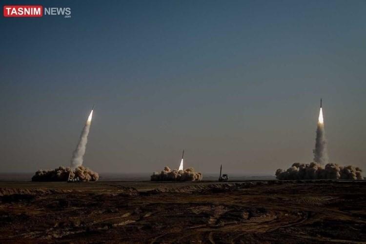Prensa israelí : Maniobra de misiles iraníes es un mensaje para EE.UU., el Golfo e