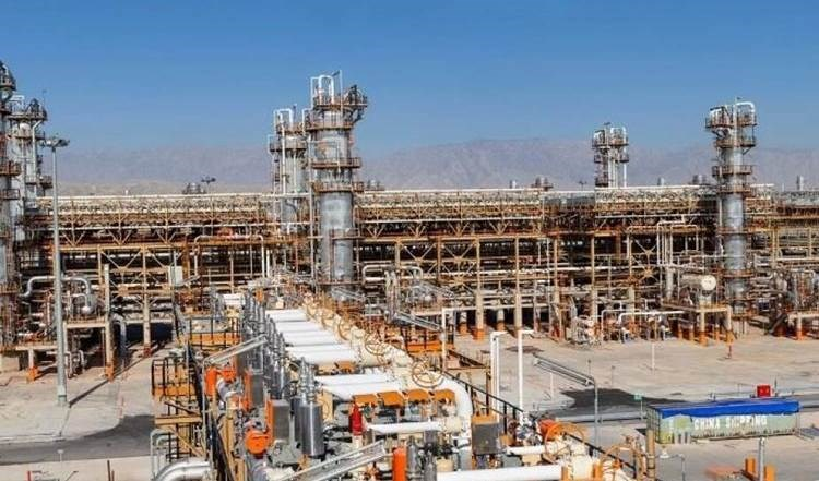 Irán inaugura la refinería de gas más grande en el Medio Oriente.