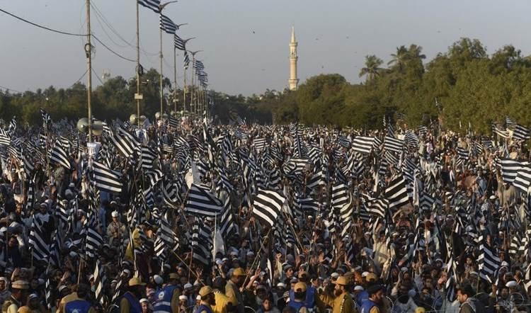Masiva manifestación en Pakistán contra la normalización con (Israel).