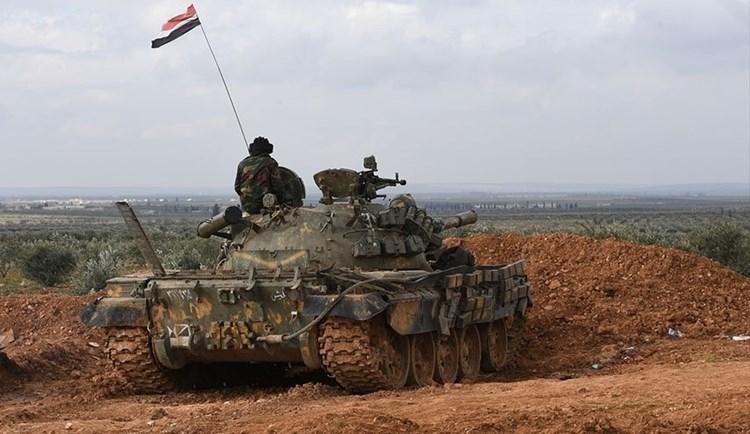 Violentos enfrentamientos entre el ejército sirio y terroristas de Daesh en Hama.