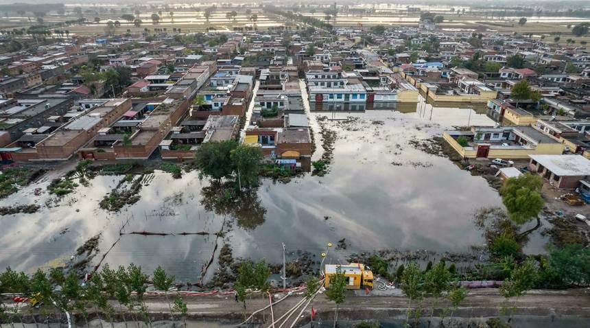 Inundaciones en el norte de China provocan evacuaciones de personas y el cierre de minas de carbón