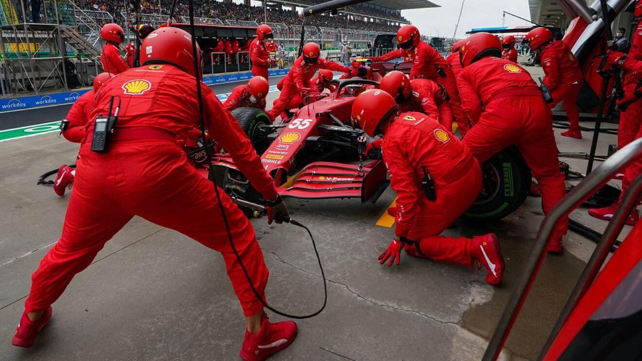 ¿Por qué Sainz estuvo parado ocho segundos en el pit-stop?