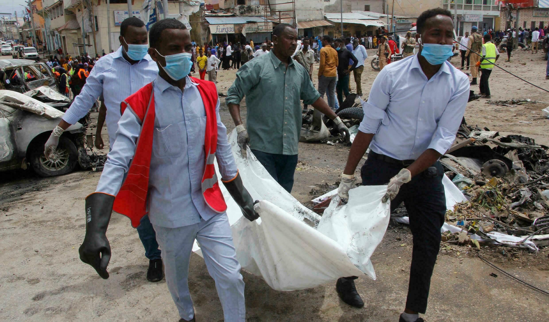 Mueren tres civiles en Somalia por ataque suicida con explosivos.