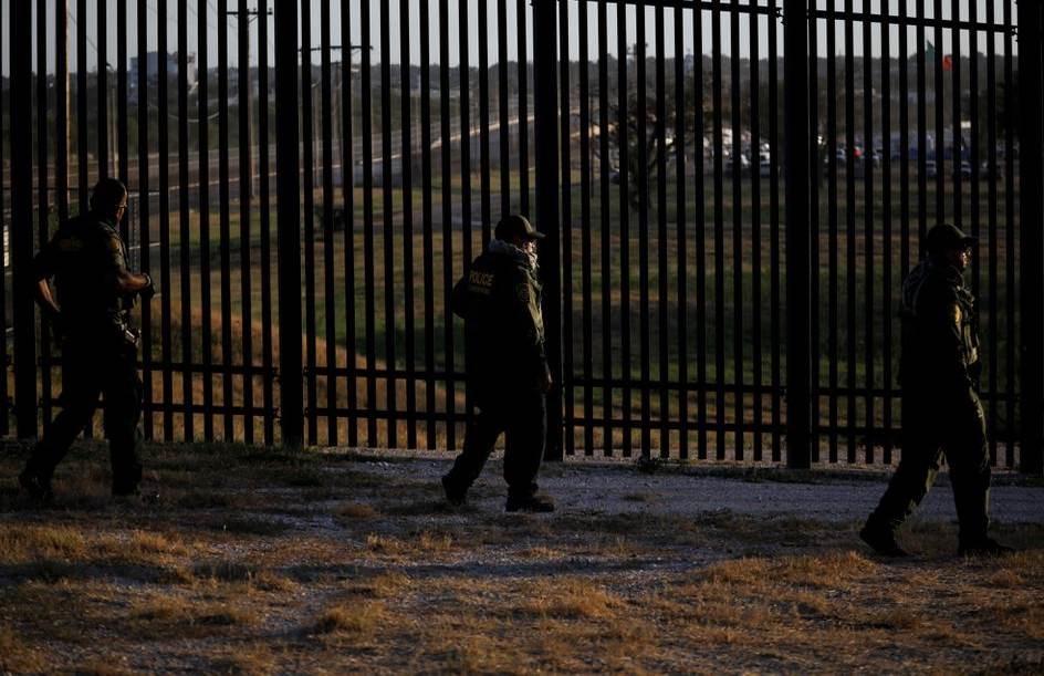 En noviembre reabre frontera de EE.UU. con México