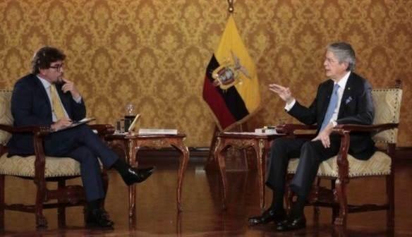 Presidente ecuatoriano acepta que parte de su patrimonio está en el exterior