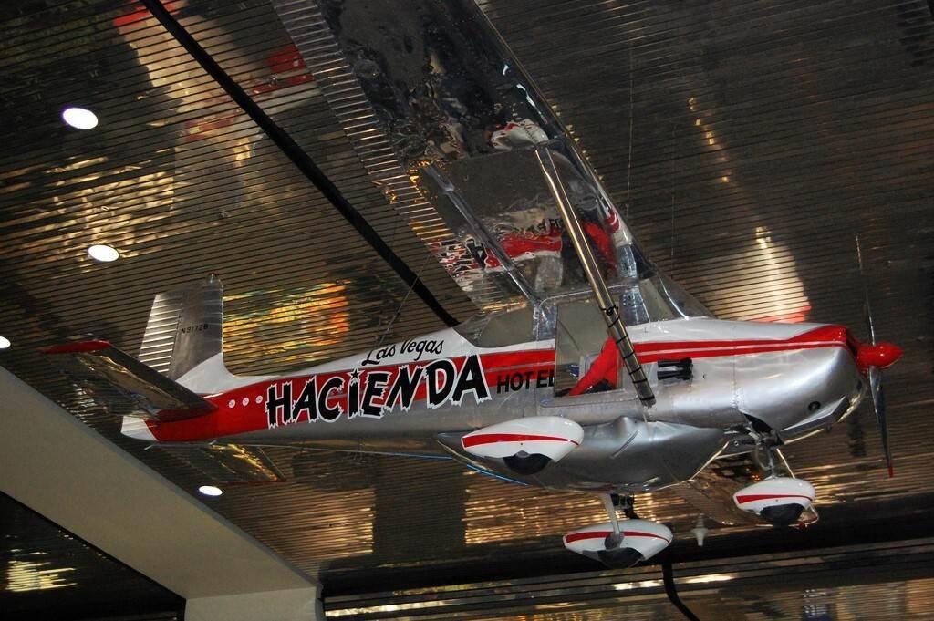 El avión que voló durante 64 días, 22 horas y 18 minutos