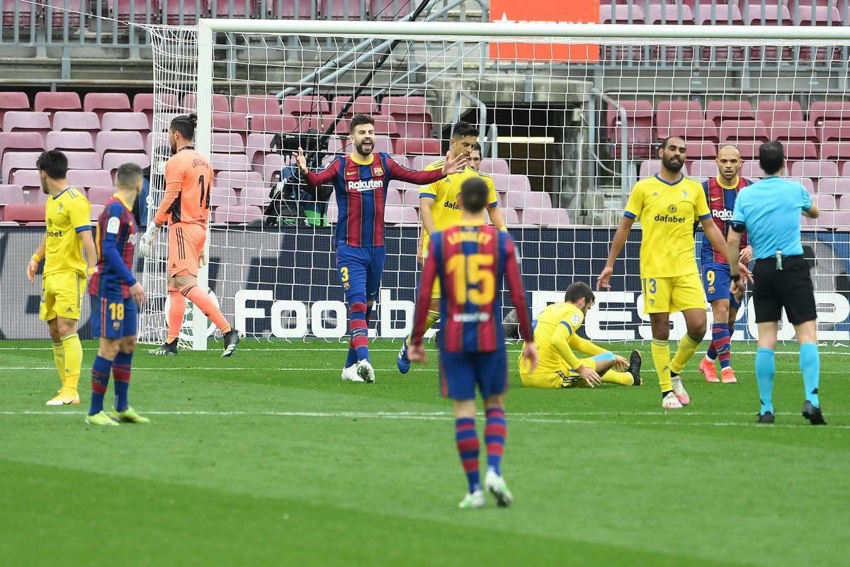 Barcelona pierde dos puntos en fútbol de España