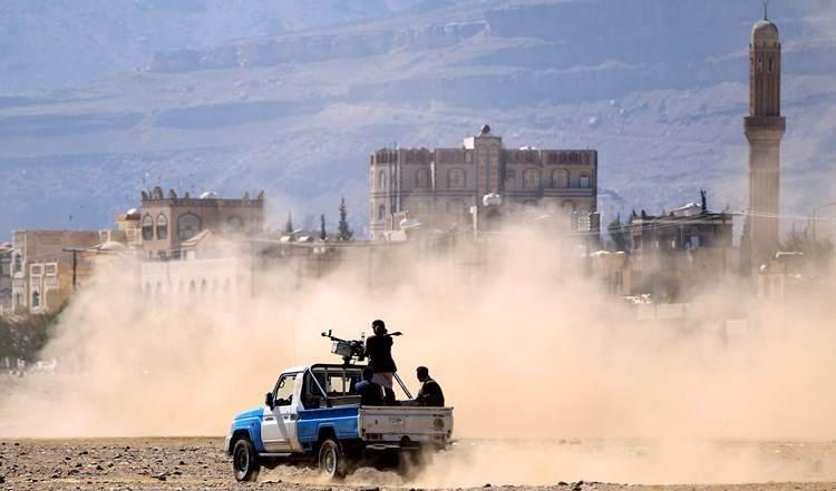Yemen: Fuerzas de Hadi se retiran del frente de Al-Tala Al-Hamra al oeste de Marib.