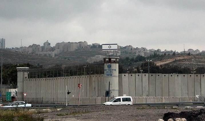 Empeora estado de salud de los prisioneros palestinos Ihab Al-Hajouj y Abu Ali.