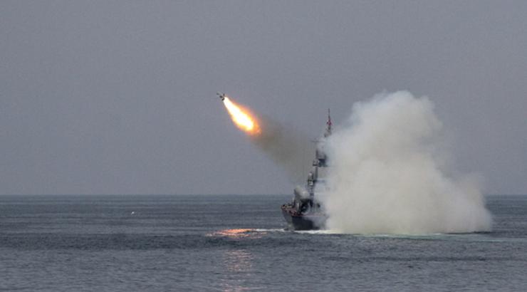 Barco israelí atacado por un misil iraní en el Mar Arábigo