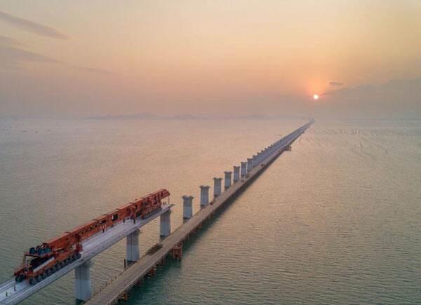 Primera línea de alta velocidad a través del mar de China (Foto: The State Council)