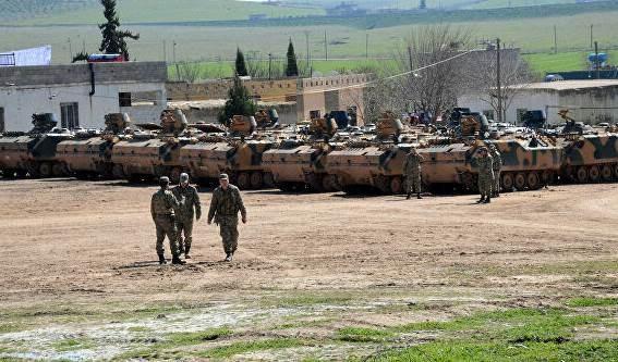Avión desconocido ataca base militar turca al norte de Siria.