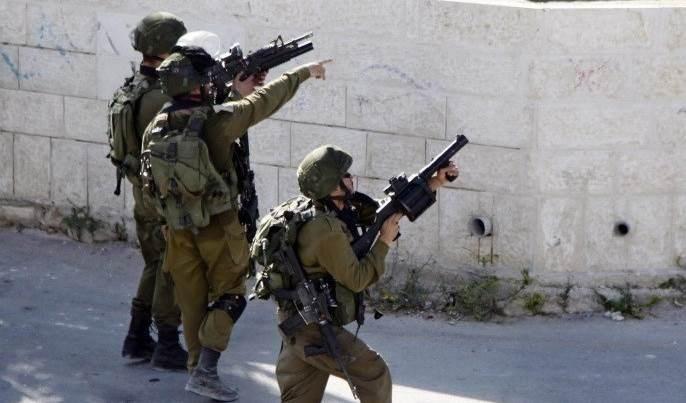 Graban momento del disparo de un soldado israelí a un palestino cerca de Belén.