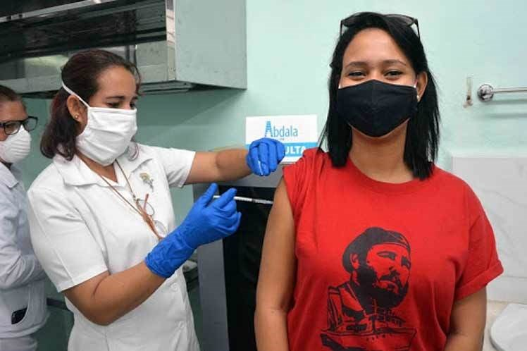 Avanzan ensayos fase III de candidatos vacunales cubanos