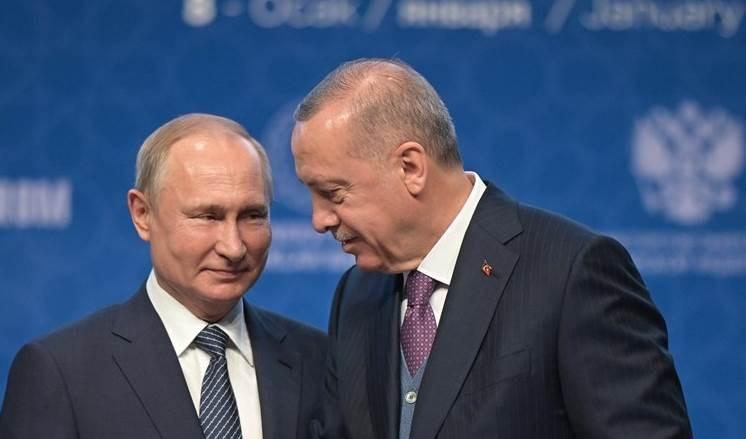Putin y Erdogan discuten sobre solución política en Siria.