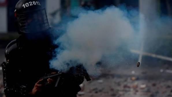 Colombia: Denuncian que fuerzas policiales disparan a civiles