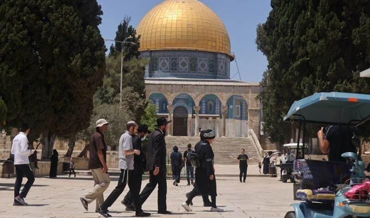 Abu Obeida advierte contra asaltar a Al Aqsa.