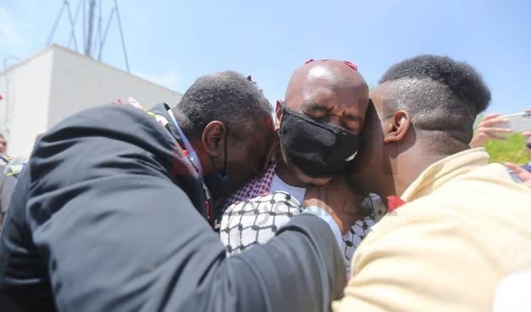 Luchador jordano liberado llama a la excarcelación de los prisioneros.
