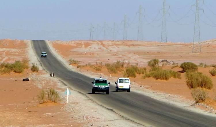 Fuerzas de Haftar cierran la frontera con Argelia y la declaran zona militar.