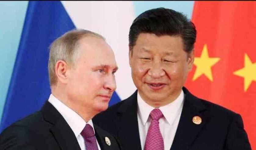 China aplaude alejamiento de Rusia del dólar estadounidense a favor del yuan.
