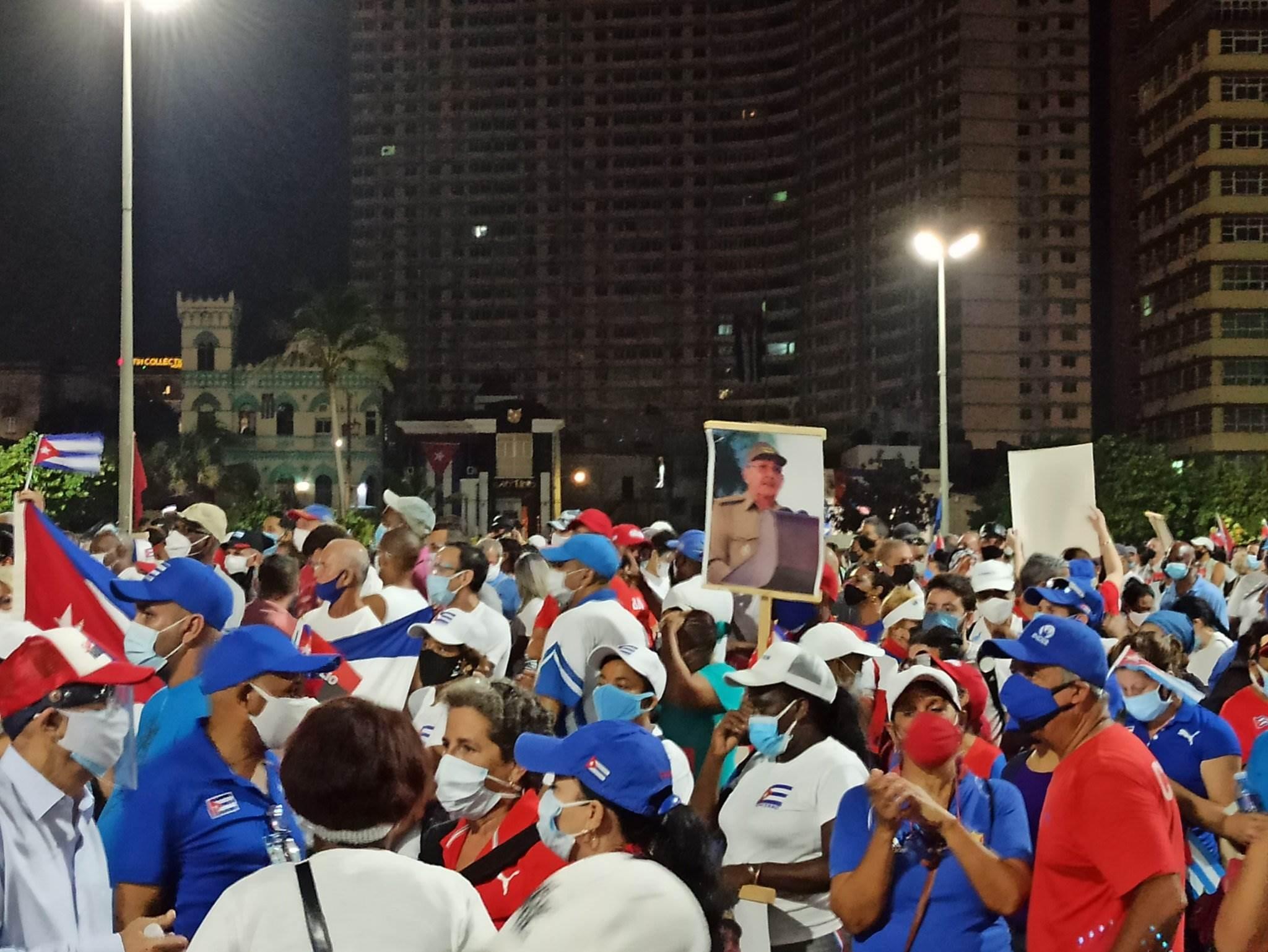 Concentraciones populares en apoyo al gobierno cubano. Foto: Oliver Zamora