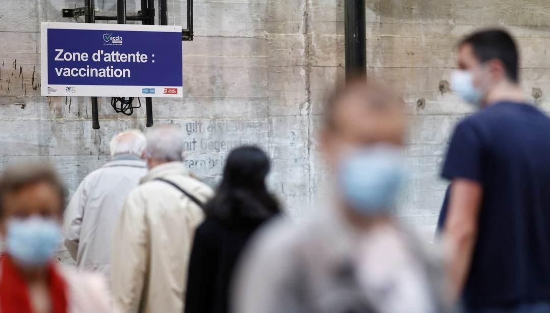 Francia entra en cuarta ola de coronavirus