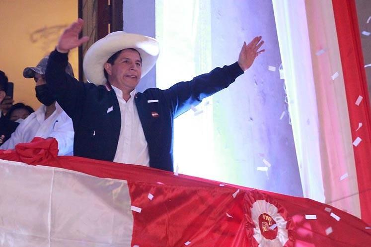 Pedro Castillo finalmente recibirá credenciales como presidente electo de Perú