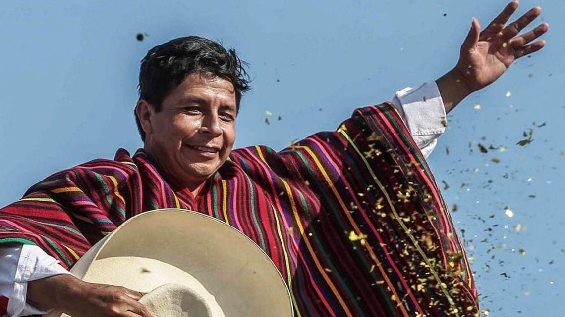 La derecha peruana ya maniobra para destituir a Pedro Castillo